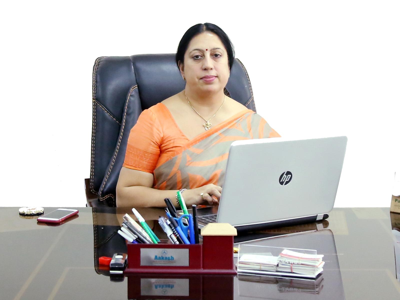 Dr. Ritu Dewan